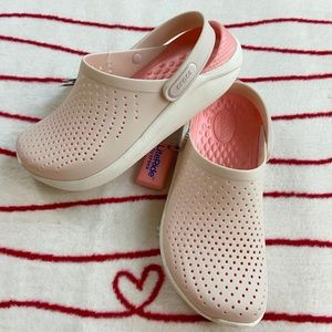 NWT Crocs LiteRide Clogs slip on shoes Women 8